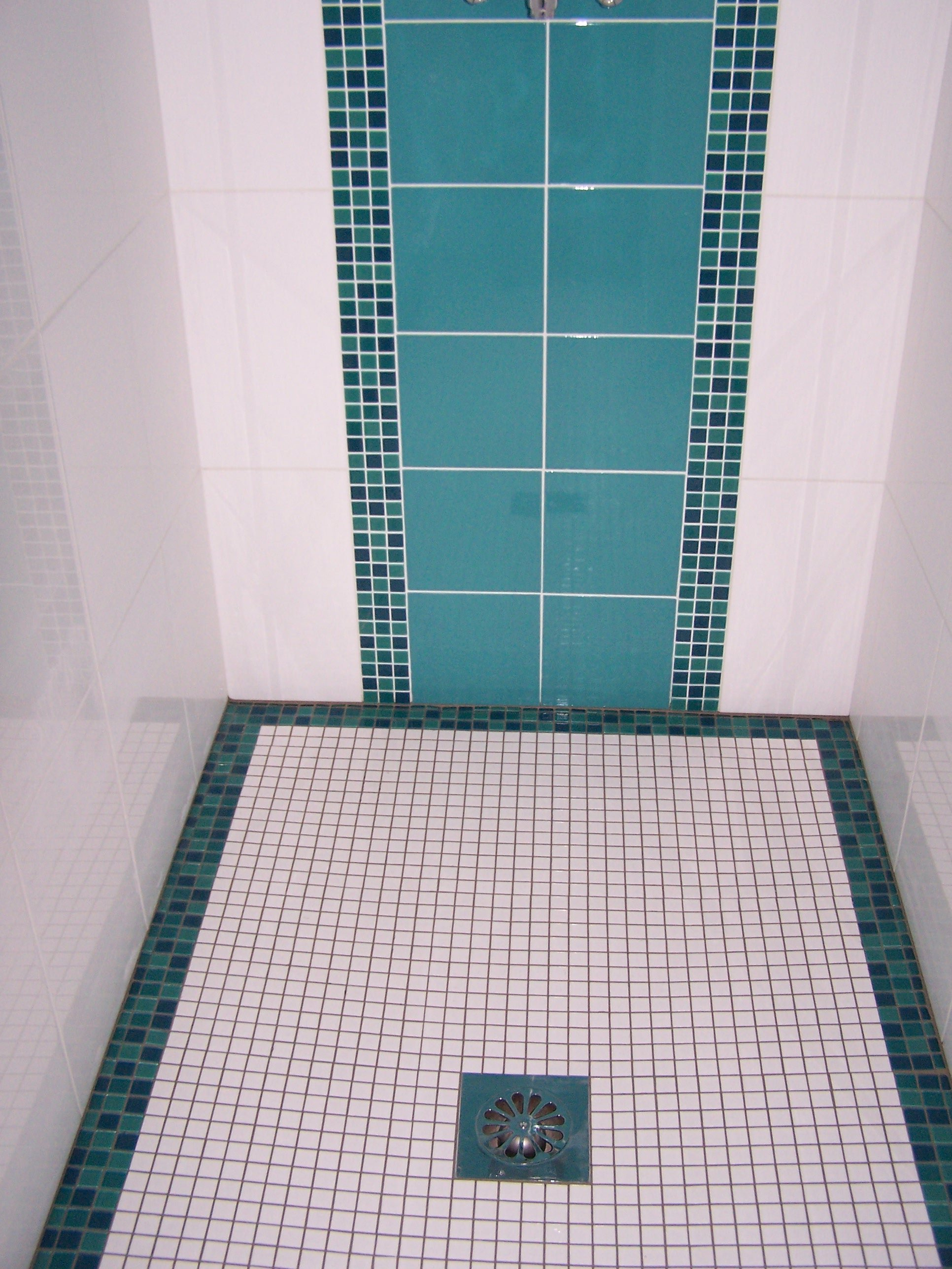 Carrelagemedocthiebaut archives du blog carrelage de for Bac de douche italienne